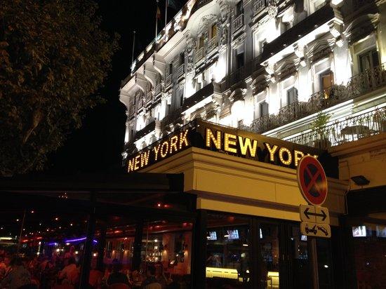 New York - New York: facade exterieure