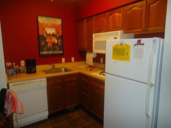 Residence Inn Orlando Convention Center : cozinha