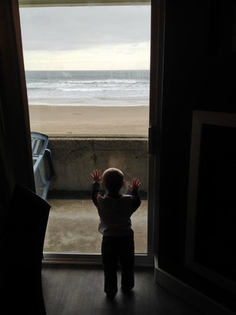 Surftides Lincoln City: My little one enjoying the view