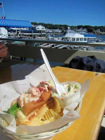 Blue Moon Cafe: Lobster roll