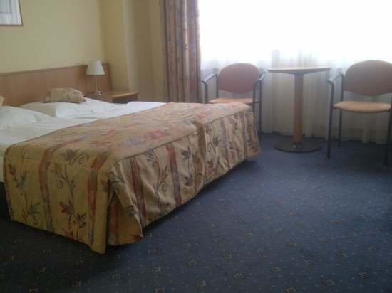 Andante Hotel: King size bed