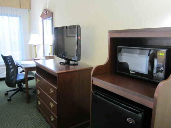 Hampton Inn Bedford: room #1