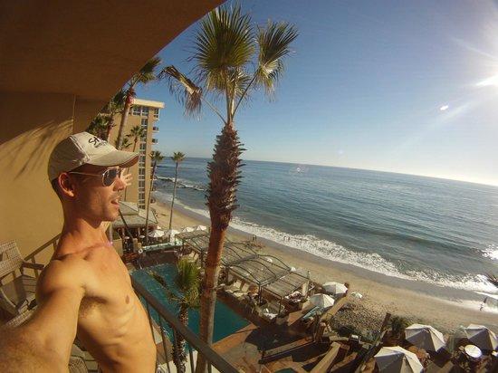 Surf & Sand Resort : I see blue, he looks glooooorious