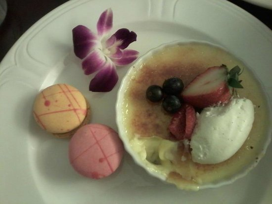 One Ocean Resort & Spa : Vanilla Bean Creme Brulee ...Divine!