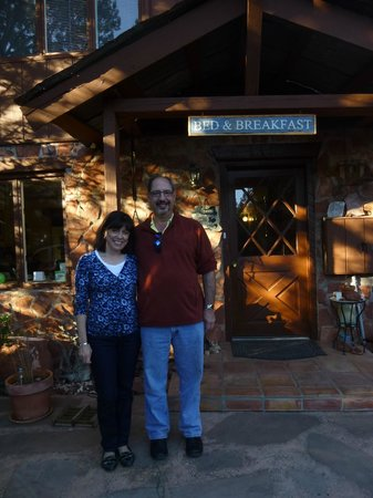 Sedona Bear Lodge: At the Lodge
