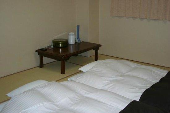 Hotel Abest Kochi: みんなで寝れる、和室