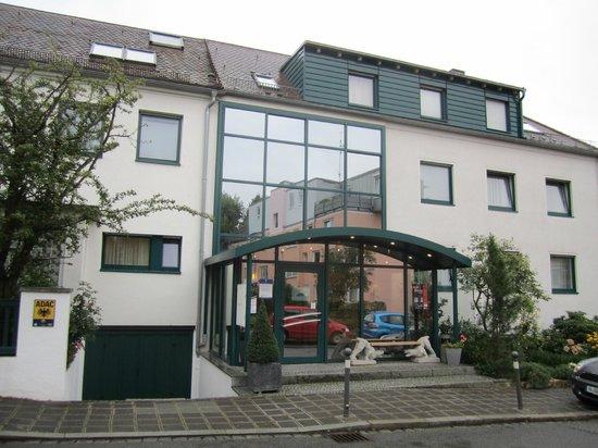 Klughardt Hotel: Entrance