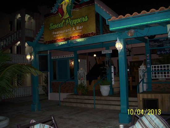 Caribbean Palm Village Resort: Great food and a great place to relax