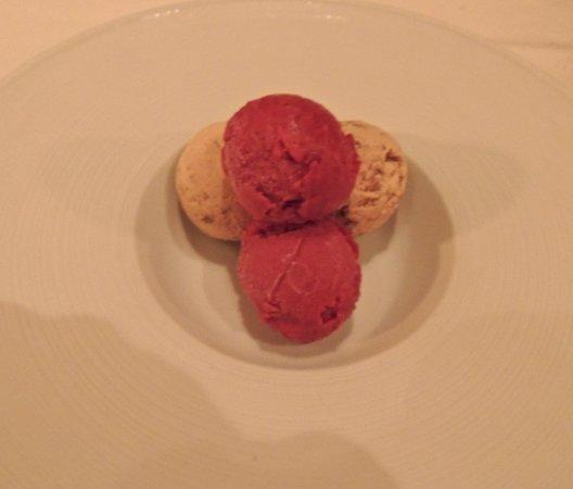 Cotton Row : Toffee Ice Cream & Raspberry Sorbet