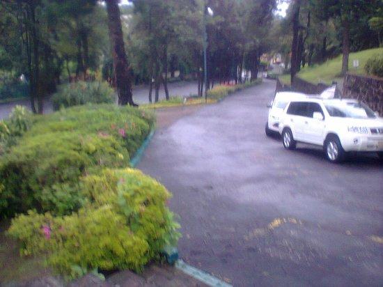Hotel Aristos Mirador Cuernavaca: Vista desde la entrada