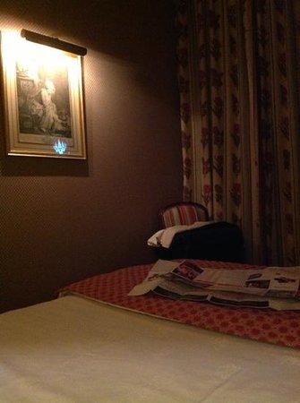 Hotel Duc de Saint Simon: -