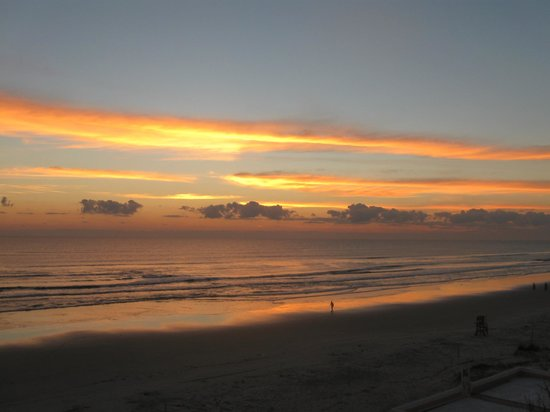 Best Western New Smyrna Beach Hotel & Suites: Sunrise from the deck