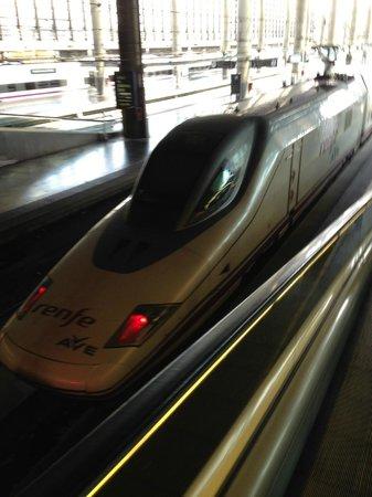 Estacion de Atocha: trens rápidos partem da estação