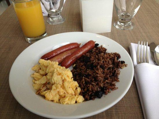 Wyndham Garden San Jose Escazu: Breakfast
