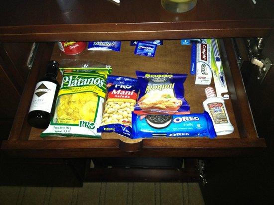 Wyndham Garden San Jose Escazu: Snack Bar in the room