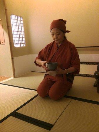 The Edo Sakura : tea ceremony