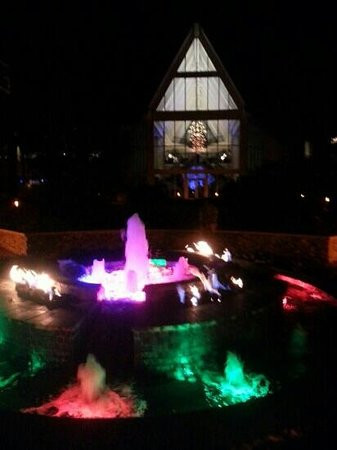 JW Marriott Marco Island Beach Resort : hotel courtyard at night with beautiful fountain.