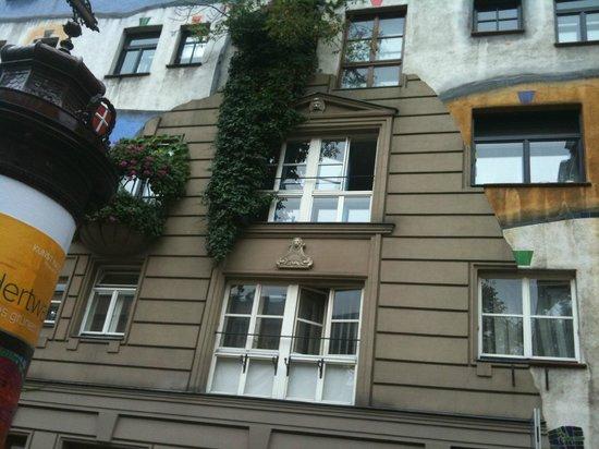 Hundertwasserhaus: 16