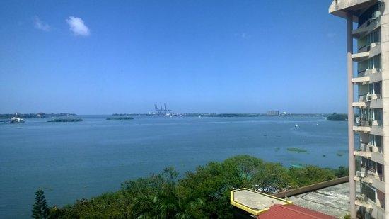 The Gateway Hotel Marine Drive Ernakulam: Sea view from the room