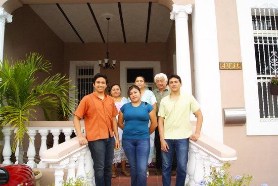 Hotel Casa Nobel: staff