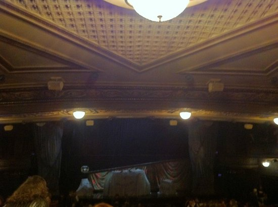 Majestic Theatre: Theater lighting