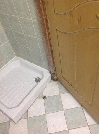 Ramee Palace Hotel : bathroom