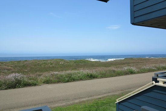 Surf & Sand Lodge : View from our room