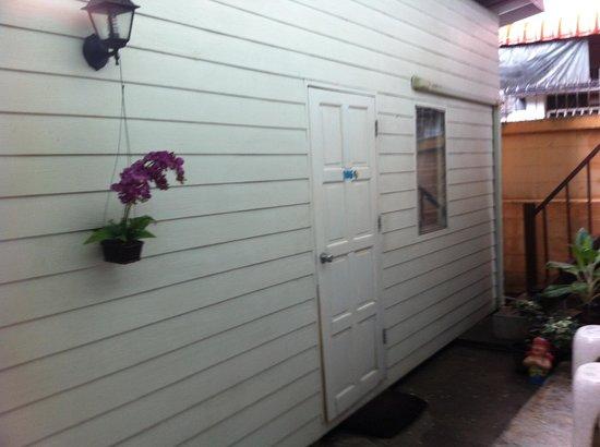 Khaosan Baan Thai: outside view of room