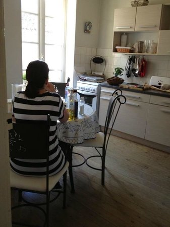 My Little French House : Breakfast in the Kitchen