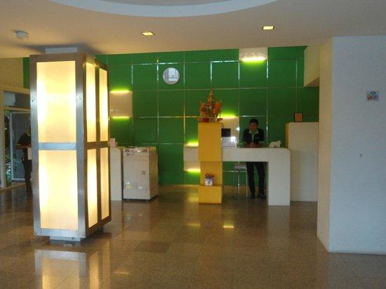 Samui Verticolor: reception area