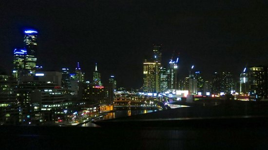 Pan Pacific Melbourne: Night view