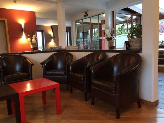 L 39 aquarelle hotel mons voir les tarifs et 6 avis for Aquarelle piscine hotel seneffe