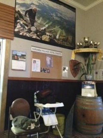 Karamea Village Hotel : A sense of community with its community notice board