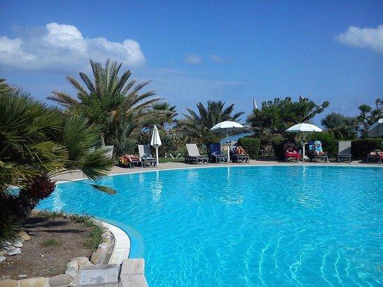 """Fiesta Hotel Garden Beach: Paradiso di tranquillita' peccato la """"spiaggia"""""""