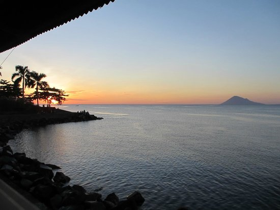 Taipan Restaurant: Taipan offers a wonderful view during sunset between 5 and 6 o'clock.