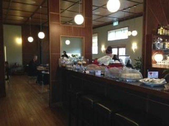 The Town House: Bar