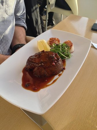 Kermadec Ocean Fresh Restaurant: Eye Fillet & Scallops