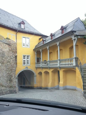 Schloss Montabaur: passage to check in