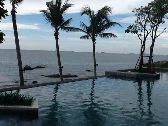 Cape Dara Resort: pool view,lower deck pool