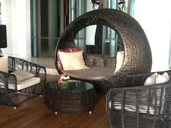 Cape Dara Resort: outdoor furniture