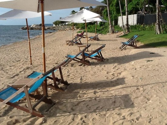 Cape Dara Resort: beach