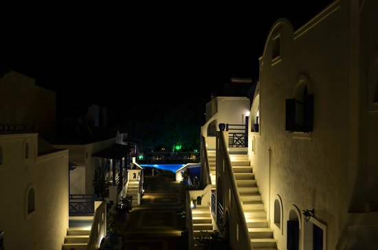 Samson's Village: General view at night