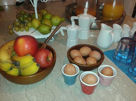 Villa Adriana Guesthouse Sorrento : Have a soft boild egg!