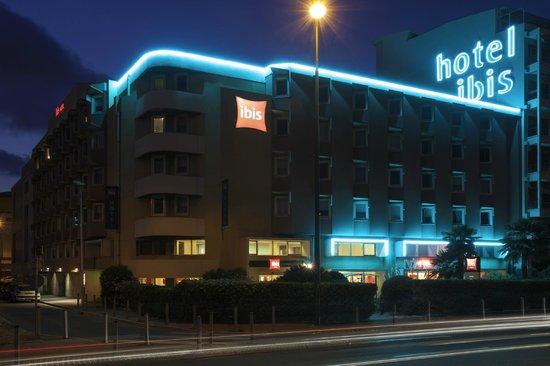 Hotel Ibis Nice Aeroport : HÔTEL LA NUIT