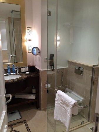 Villa Rosa Kempinski Nairobi: Shower