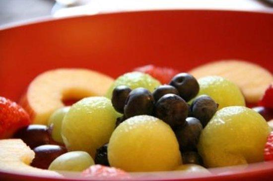 Ellen House: Fruit platter