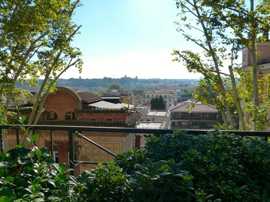 IL BOOM - il bed 'n breakfast: The view from the terrace