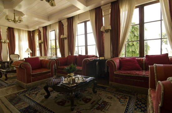 The Elgin, Darjeeling: One of the common living areas