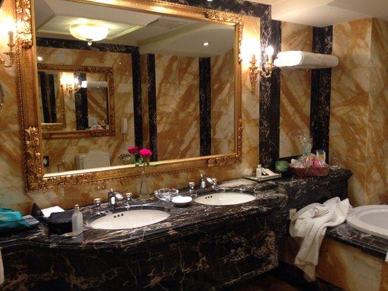 Bathroom with bathtub, suite at St  Regis - Picture of