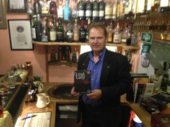 Smallest Whisky Bar On Earth: Lord Gunter